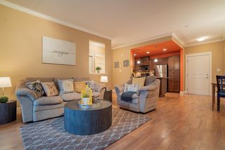 """Photo 5: 206 2068 SANDALWOOD Crescent in Abbotsford: Central Abbotsford Condo for sale in """"The Sterling"""" : MLS®# R2325184"""