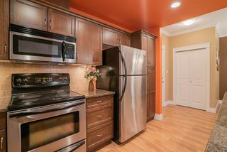 """Photo 8: 206 2068 SANDALWOOD Crescent in Abbotsford: Central Abbotsford Condo for sale in """"The Sterling"""" : MLS®# R2325184"""