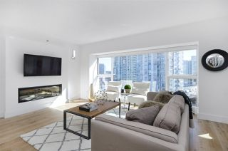 "Photo 2: 903 238 ALVIN NAROD Mews in Vancouver: Yaletown Condo for sale in ""Pacific Plaza"" (Vancouver West)  : MLS®# R2345160"