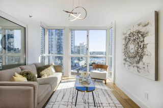 "Photo 4: 903 238 ALVIN NAROD Mews in Vancouver: Yaletown Condo for sale in ""Pacific Plaza"" (Vancouver West)  : MLS®# R2345160"