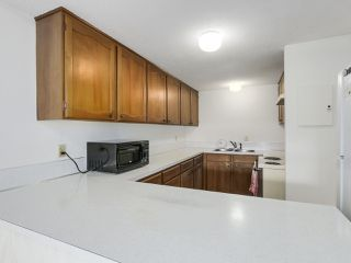 "Photo 7: 5 7315 MONTECITO Drive in Burnaby: Montecito Townhouse for sale in ""MONTECITO VILLAGE"" (Burnaby North)  : MLS®# R2353941"