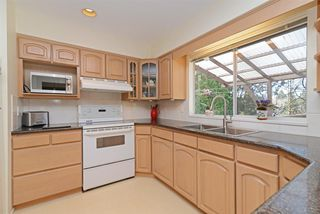 Photo 6: 698 FOLSOM Street in Coquitlam: Central Coquitlam House for sale : MLS®# R2355169