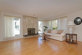 Photo 2: 698 FOLSOM Street in Coquitlam: Central Coquitlam House for sale : MLS®# R2355169