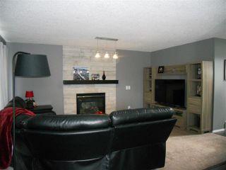 Photo 5: 3216 27 Avenue in Edmonton: Zone 30 House for sale : MLS®# E4152499