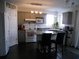 Photo 4: 3216 27 Avenue in Edmonton: Zone 30 House for sale : MLS®# E4152499
