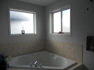 Photo 10: 3216 27 Avenue in Edmonton: Zone 30 House for sale : MLS®# E4152499