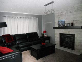 Photo 7: 3216 27 Avenue in Edmonton: Zone 30 House for sale : MLS®# E4152499