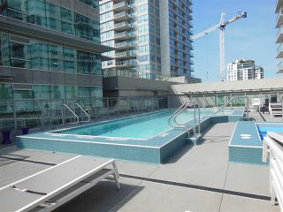 "Photo 15: 1805 125 E 14TH Street in North Vancouver: Central Lonsdale Condo for sale in ""Centreview Tower B"" : MLS®# R2364010"