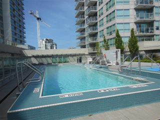 "Photo 14: 1805 125 E 14TH Street in North Vancouver: Central Lonsdale Condo for sale in ""Centreview Tower B"" : MLS®# R2364010"