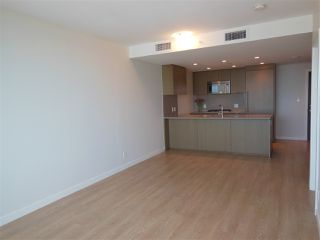 "Photo 3: 1805 125 E 14TH Street in North Vancouver: Central Lonsdale Condo for sale in ""Centreview Tower B"" : MLS®# R2364010"