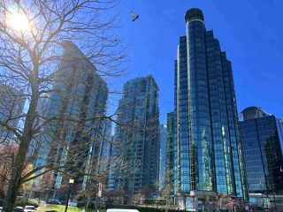 "Main Photo: 308 588 BROUGHTON Street in Vancouver: Coal Harbour Condo for sale in ""Harbourside Park"" (Vancouver West)  : MLS®# R2367140"