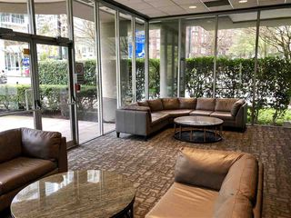 """Photo 14: 308 588 BROUGHTON Street in Vancouver: Coal Harbour Condo for sale in """"Harbourside Park"""" (Vancouver West)  : MLS®# R2367140"""