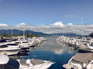 """Photo 2: 308 588 BROUGHTON Street in Vancouver: Coal Harbour Condo for sale in """"Harbourside Park"""" (Vancouver West)  : MLS®# R2367140"""