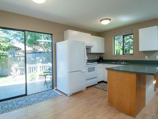 Photo 8: 2860B COUNTRY Close in CAMPBELL RIVER: CR Willow Point Half Duplex for sale (Campbell River)  : MLS®# 813934