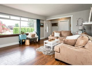 Photo 4: 2109 VINEWOOD Street in Abbotsford: Central Abbotsford House for sale : MLS®# R2370181
