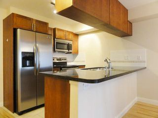 Photo 2: 150 5660 201A Street in Langley: Langley City Condo for sale : MLS®# R2372359