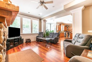 "Photo 4: 1019 JAY Crescent in Squamish: Garibaldi Highlands House for sale in ""Thunderbird Creek"" : MLS®# R2375998"