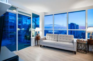 "Photo 2: 804 125 E 14TH Street in North Vancouver: Central Lonsdale Condo for sale in ""CENTREVIEW"" : MLS®# R2379594"