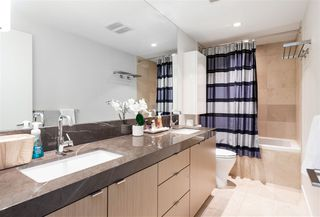 "Photo 8: 804 125 E 14TH Street in North Vancouver: Central Lonsdale Condo for sale in ""CENTREVIEW"" : MLS®# R2379594"