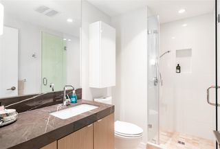 """Photo 6: 804 125 E 14TH Street in North Vancouver: Central Lonsdale Condo for sale in """"CENTREVIEW"""" : MLS®# R2379594"""