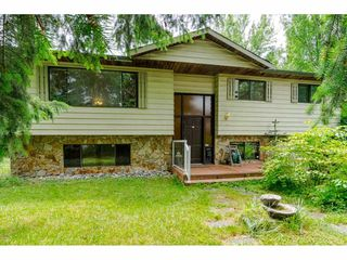 Main Photo: 18252 59A Avenue in Surrey: Cloverdale BC House for sale (Cloverdale)  : MLS®# R2384104