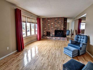 Photo 2:  in Edmonton: Zone 20 House for sale : MLS®# E4163670