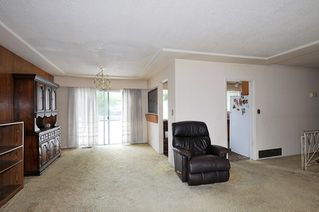 Photo 3: 1087 FOSTER Avenue in Coquitlam: Central Coquitlam House for sale : MLS®# R2385439