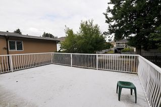 Photo 13: 1087 FOSTER Avenue in Coquitlam: Central Coquitlam House for sale : MLS®# R2385439