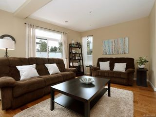 Photo 3: 1 2311 Watkiss Way in VICTORIA: VR Hospital Row/Townhouse for sale (View Royal)  : MLS®# 821869