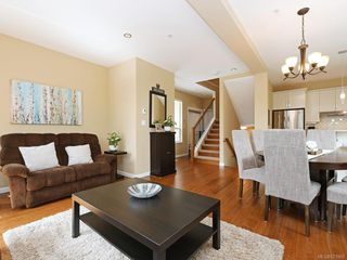 Photo 5: 1 2311 Watkiss Way in VICTORIA: VR Hospital Row/Townhouse for sale (View Royal)  : MLS®# 821869