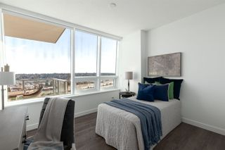 """Photo 14: 3202 908 QUAYSIDE Drive in New Westminster: Quay Condo for sale in """"Riversky 1"""" : MLS®# R2410359"""