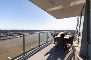 """Photo 17: 3202 908 QUAYSIDE Drive in New Westminster: Quay Condo for sale in """"Riversky 1"""" : MLS®# R2410359"""
