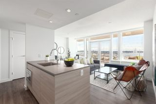 """Photo 9: 3202 908 QUAYSIDE Drive in New Westminster: Quay Condo for sale in """"Riversky 1"""" : MLS®# R2410359"""