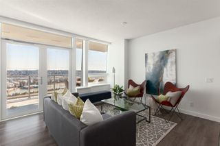 """Photo 5: 3202 908 QUAYSIDE Drive in New Westminster: Quay Condo for sale in """"Riversky 1"""" : MLS®# R2410359"""