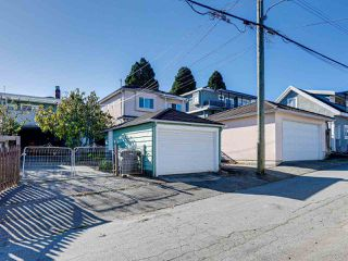 Photo 19: 3051 KITCHENER Street in Vancouver: Renfrew VE House for sale (Vancouver East)  : MLS®# R2416336
