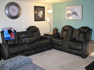 Main Photo: 17 Willowdale Drive NW in Edmonton: Zone 42 Mobile for sale : MLS®# E4180446