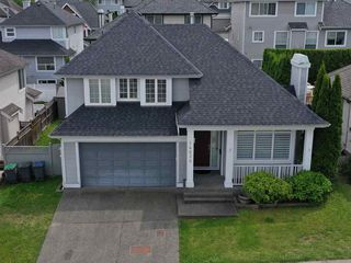 """Photo 1: 14636 76 Avenue in Surrey: East Newton House for sale in """"Chimney Hill"""" : MLS®# R2485483"""