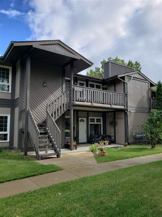 Photo 1: 5792 172 Street in Edmonton: Zone 20 Carriage for sale : MLS®# E4213368