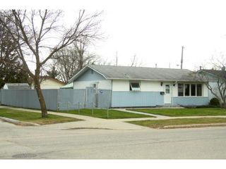 Photo 2: 560 Mcmeans Avenue East in WINNIPEG: Transcona Residential for sale (North East Winnipeg)  : MLS®# 1108608