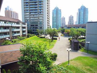 "Photo 1: 303 4373 HALIFAX Street in Burnaby: Brentwood Park Condo for sale in ""BRENT GARDENS"" (Burnaby North)  : MLS®# V904072"
