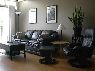 Photo 13: FABULOUS RENOVATED 2-BR IN FAIRVIEW!