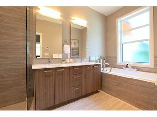 Photo 7: 611 14 Street in West Vancouver: Ambleside Townhouse for sale : MLS®# V958382