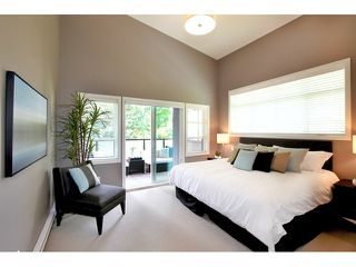 Photo 5: 611 14 Street in West Vancouver: Ambleside Townhouse for sale : MLS®# V958382