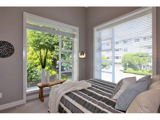 Photo 10: 611 14 Street in West Vancouver: Ambleside Townhouse for sale : MLS®# V958382