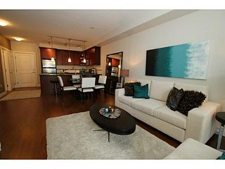 Photo 7: 305 2330 SHAUGHNESSY Street in Port Coquitlam: Central Pt Coquitlam Condo for sale : MLS®# V983643