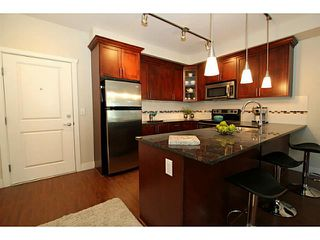 Photo 1: 305 2330 SHAUGHNESSY Street in Port Coquitlam: Central Pt Coquitlam Condo for sale : MLS®# V983643