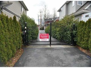 "Photo 3: 34814 1ST Avenue in Abbotsford: Poplar House for sale in ""Huntingdon"" : MLS®# F1405409"