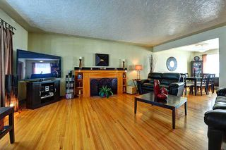 Photo 3: 3220 CAROL Drive NW in CALGARY: Collingwood Residential Detached Single Family for sale (Calgary)  : MLS®# C3605684