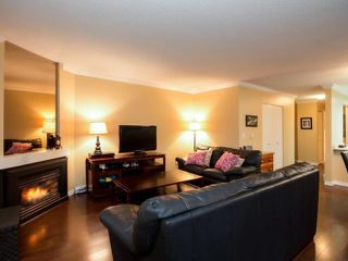 """Photo 2: 206 3187 MOUNTAIN Highway in North Vancouver: Lynn Valley Condo for sale in """"LYNN TERRACE II"""" : MLS®# V1059529"""