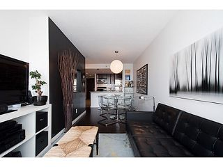 "Photo 1: 1503 58 KEEFER Place in Vancouver: Downtown VW Condo for sale in ""Firenze 1"" (Vancouver West)  : MLS®# V1071192"